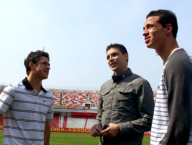 Giuliano, Bolivar e Leandro Damião do Internacional
