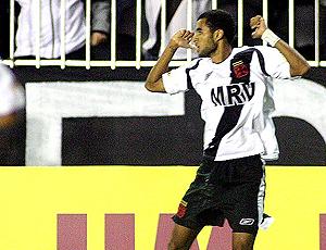 Pablo, volante ex-Vasco contratado pelo Cruzeiro