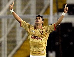 Ciro comemora gol do Sport na Libertadores
