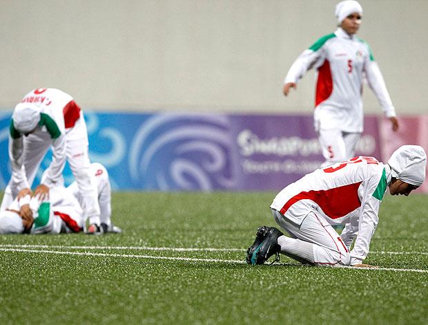 jogadoras do Irã lamentam derrota para a Turquia