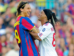 Ibrahimovic do Barcelona e Ronaldinho Gaúcho do Milan