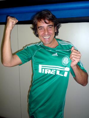 Alexandre Borges, ator com camisa do Palmeiras 02