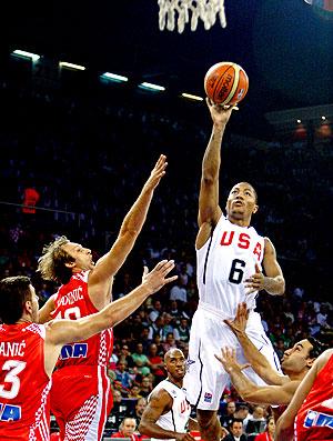 Derrick Rose na partida do EUA contra a Croácia no Mundial de basquete na Turquia