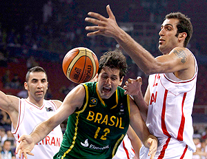 Giovannoni e Ehadadi Brasil x Irã Mundial de Basquete