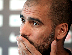 Pep Guardiola durante coletiva do Barcelona