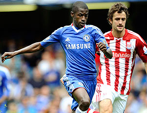 Ramires no jogo do Chelsea contra o Stoke City