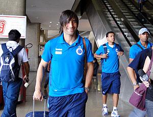 Ernesto Farias no embarque do Cruzeiro