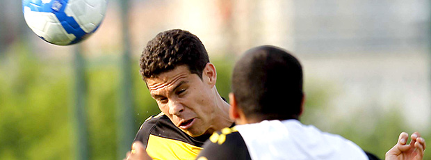 Hernanes, Seleção do Brasil no treino