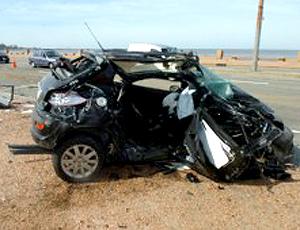 Carro acidente Diego Rodriguez Nacional do Uruguai