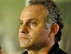 Toninho Cecílio no comando do Vitória contra o Palmeiras