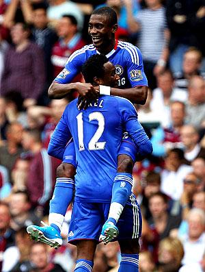 Salomon Kalou comemora gol do Chelsea