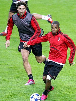 Robinho e Ibrahimovic no treino do Milan