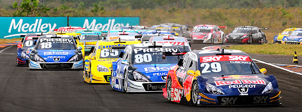 disputa Stock Car etapa Campo Grande (Foto: Duda Bairros / Stock Car)