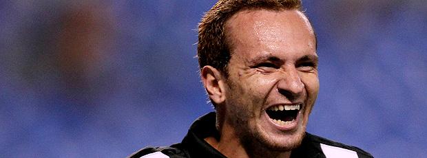 Zé Eduardo Marca os Três gols da vitória sobre o Fluminense