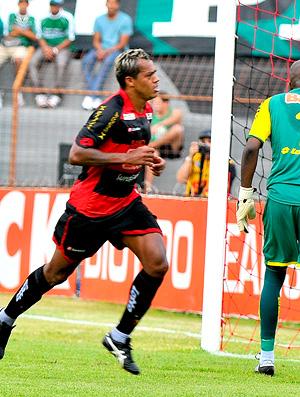 marcelinho paraiba sport gol coritiba (Foto: W. Correia Neto / Agência Estado)