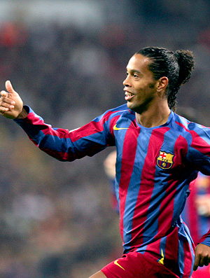 ronaldinho comemora, Real Madrid 0 x 3 Barcelona, 19/11/2005