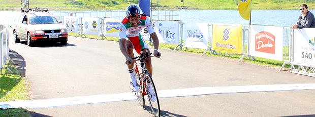 Flávio Cardoso mantém ponta do Tour do Brasil