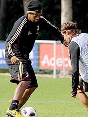Ronaldinho no treino do Milan