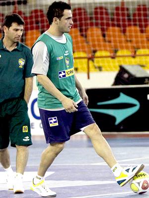 Futsal - Falcão no treinamento da seleção brasileira
