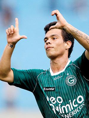 Bernardo comemora no jogo entre Goiás e Avaí