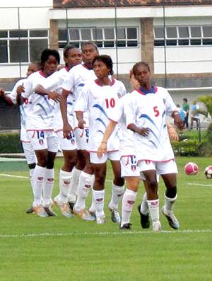 Seleção feminina de futebol do Haiti na Granja Comary