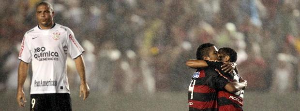 Ronaldo no jogo entre Flamengo e Corinthians pela Libertadores