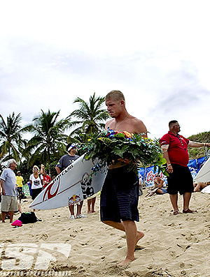 surfe mick fanning homenagem andy irons