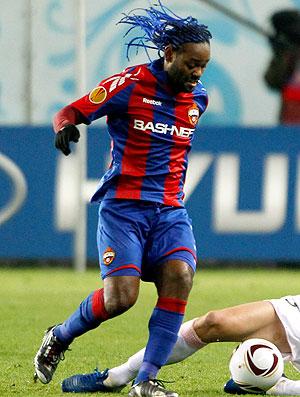 Vagner Love na partida do CSKA contra o Palermo (Foto: Reuters)