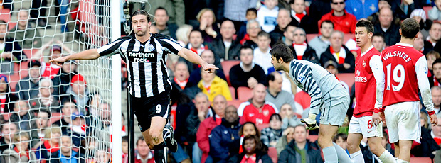 Andy Carrol Arsenal x Newcastle