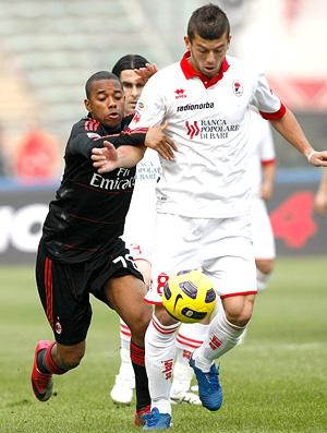 Robinho no jogo AS Bari x AC Milan