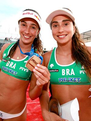Maria Clara e Carolina bronze Mundial de vôlei de praia da Tailândia