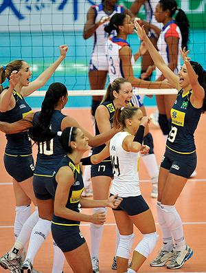 Brasil vence Cuba no Mundial de vôlei feminino