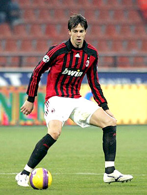 Digão irmão Kaká jogando no Milan