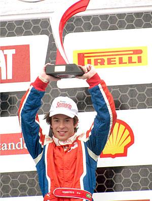 Vinius Alvarenga piloto da Fórmula Futuro