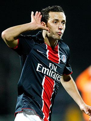 Nenê comemora gol do PSG contra o Lorient