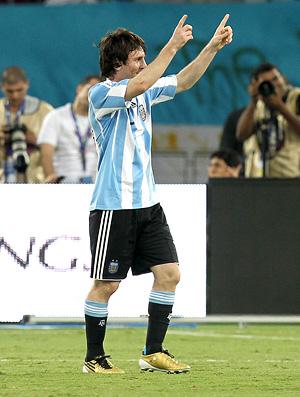messi comemora, brasil x argentina