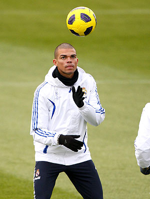 Pepe no treino do Real Madrid (Foto: EFE)