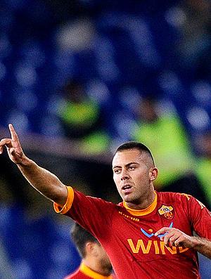 menez comemora gol do roma sobre o udinese (Foto: AFP)