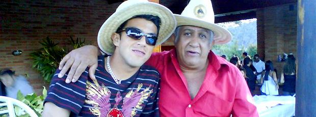 Jeferson, do Avaí, com o pai