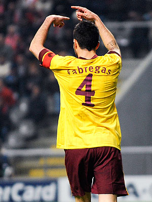 Fabregas pede para sair na partida do Arsenal contra o Braga (Foto: Getty Images)