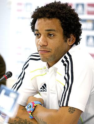 Marcelo durante coletiva do Real Madrid (Foto: EFE)