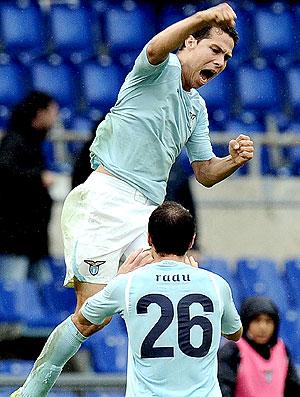 Hernanes comemora gol do Lazio
