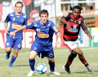 Cruzeiro bate Fla, que não corre risco de cair (Maurício Val / VIPCOMM)