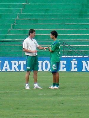 Vágner Mancini dando dura em Moreno