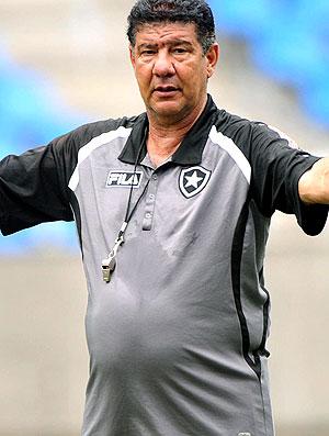 Joel Santana no treino Botafogo