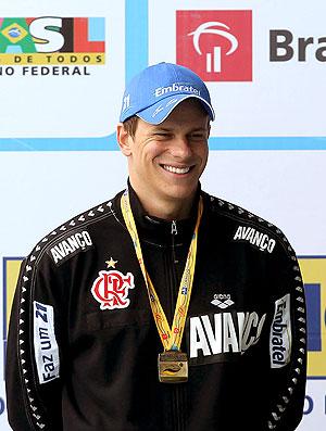 Cesar Cielo no pódio do Open de natação