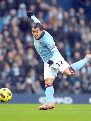 Carlos Tévez Gary Chaill - Manchester City x Bolton Wanderers