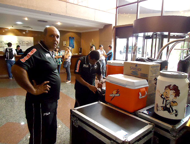 massagista no hotel da concentração do Botafogo