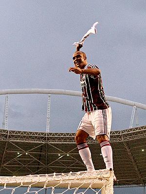 leandro euzebio fluminense fluminense comemora emcima da trave (Foto: Fabio Castro / Agência Estadio)