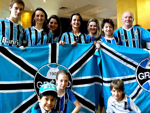 torcida do Grêmio no hotel